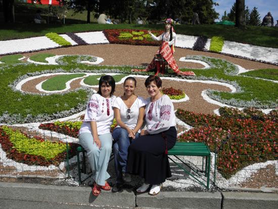 Активісток клубу «Затишок» було премійовано поїздкою на виставку квітів