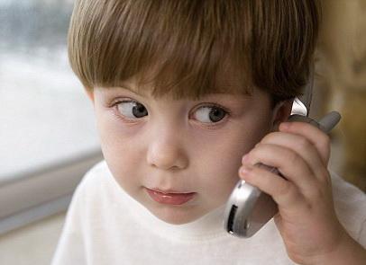ssledovanie_telefony_negativno_vliyayut_na_povedenie_detej_0